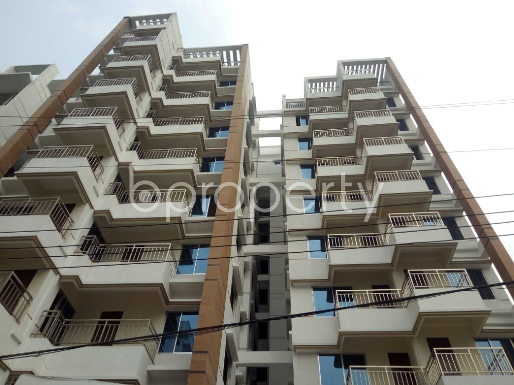 Front view - 3 Bed Apartment for Sale in Bashundhara R-A, Dhaka - 1960226