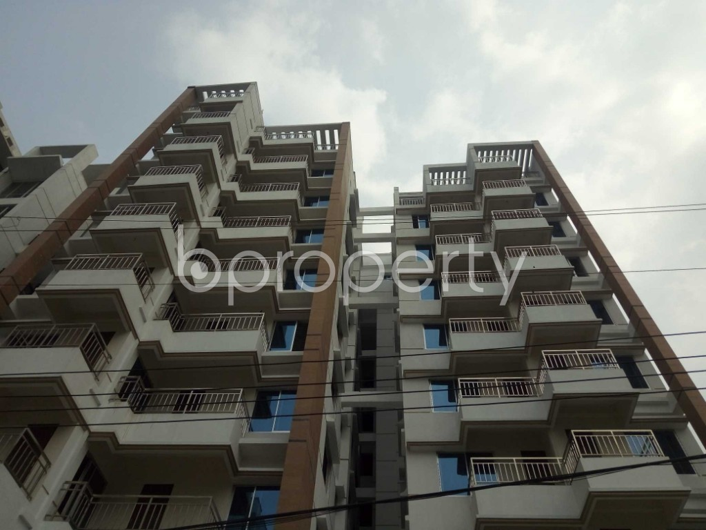 Front view - 3 Bed Apartment for Sale in Bashundhara R-A, Dhaka - 1960227