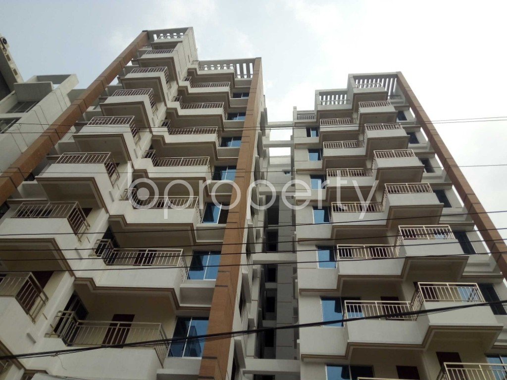 Front view - 3 Bed Apartment for Sale in Bashundhara R-A, Dhaka - 1960228