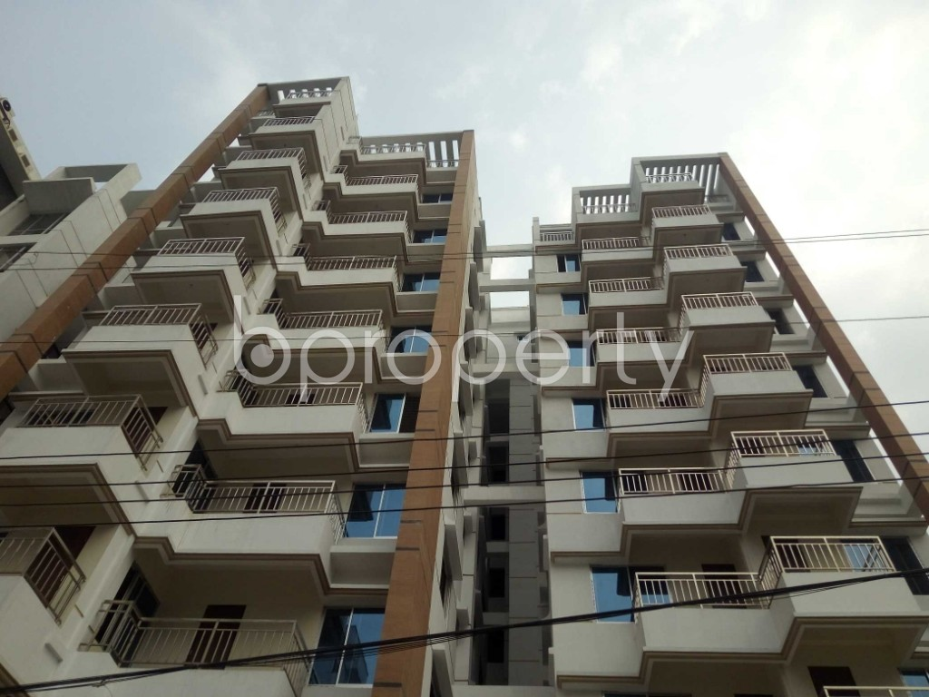 Front view - 3 Bed Apartment for Sale in Bashundhara R-A, Dhaka - 1960229