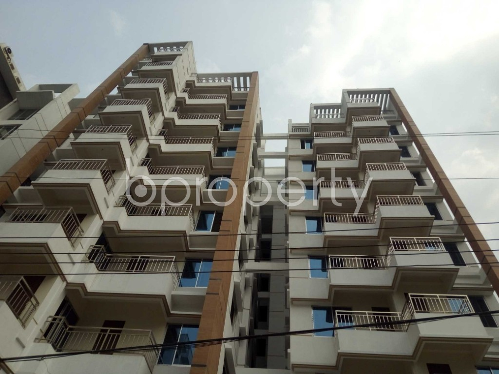 Front view - 3 Bed Apartment for Sale in Bashundhara R-A, Dhaka - 1960231