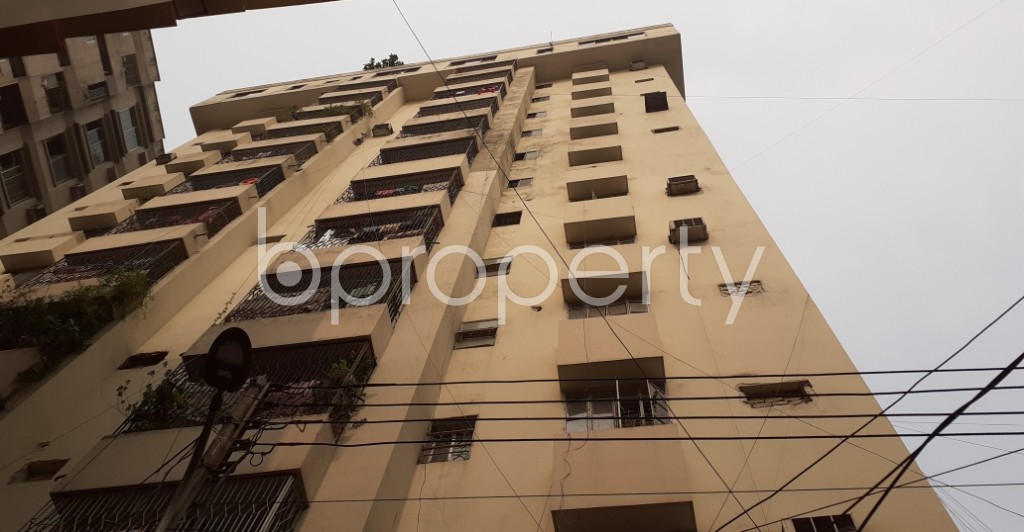 Front view - 3 Bed Apartment to Rent in New Market, Dhaka - 1960550