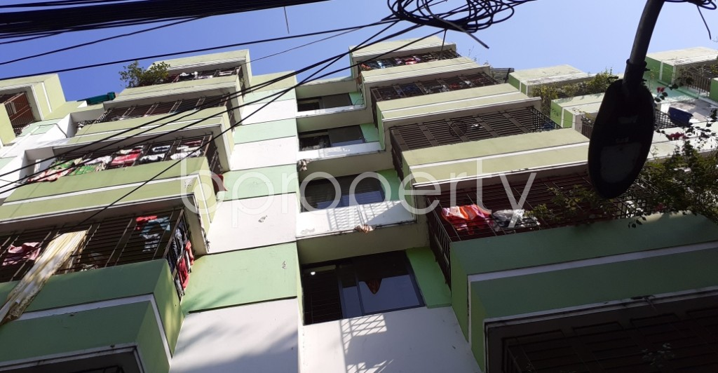 Outside view - 3 Bed Apartment to Rent in Kathalbagan, Dhaka - 1961642