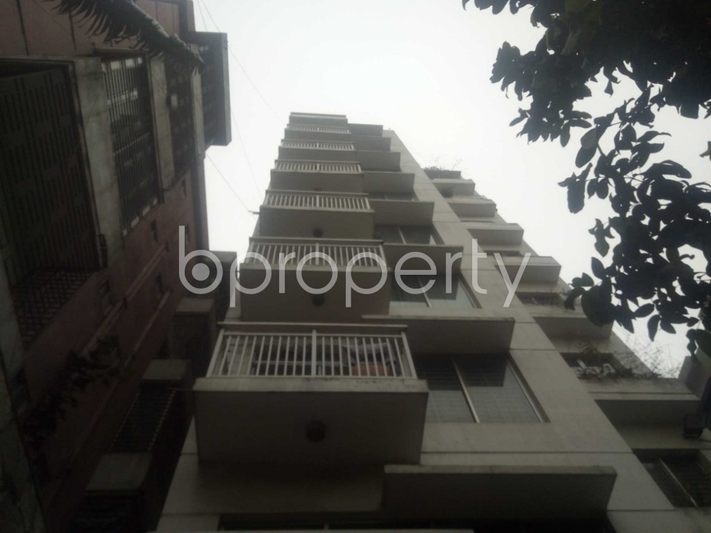 Outside view - 3 Bed Apartment for Sale in Baridhara, Dhaka - 1966045
