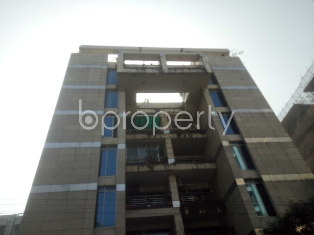 Outside view - 3 Bed Apartment to Rent in Baridhara, Dhaka - 1969930