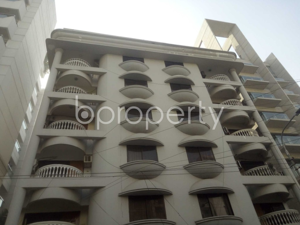Outside view - 3 Bed Apartment to Rent in Baridhara, Dhaka - 1969931