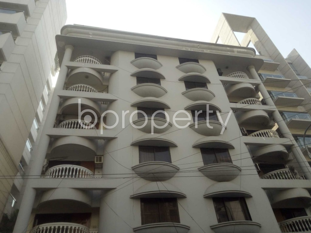 Outside view - 3 Bed Apartment to Rent in Baridhara, Dhaka - 1969968
