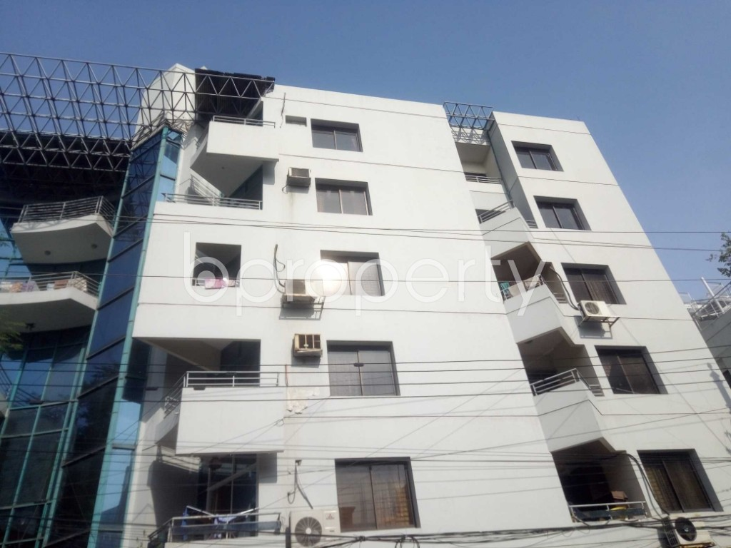 Outside view - 3 Bed Apartment to Rent in Baridhara, Dhaka - 1969969