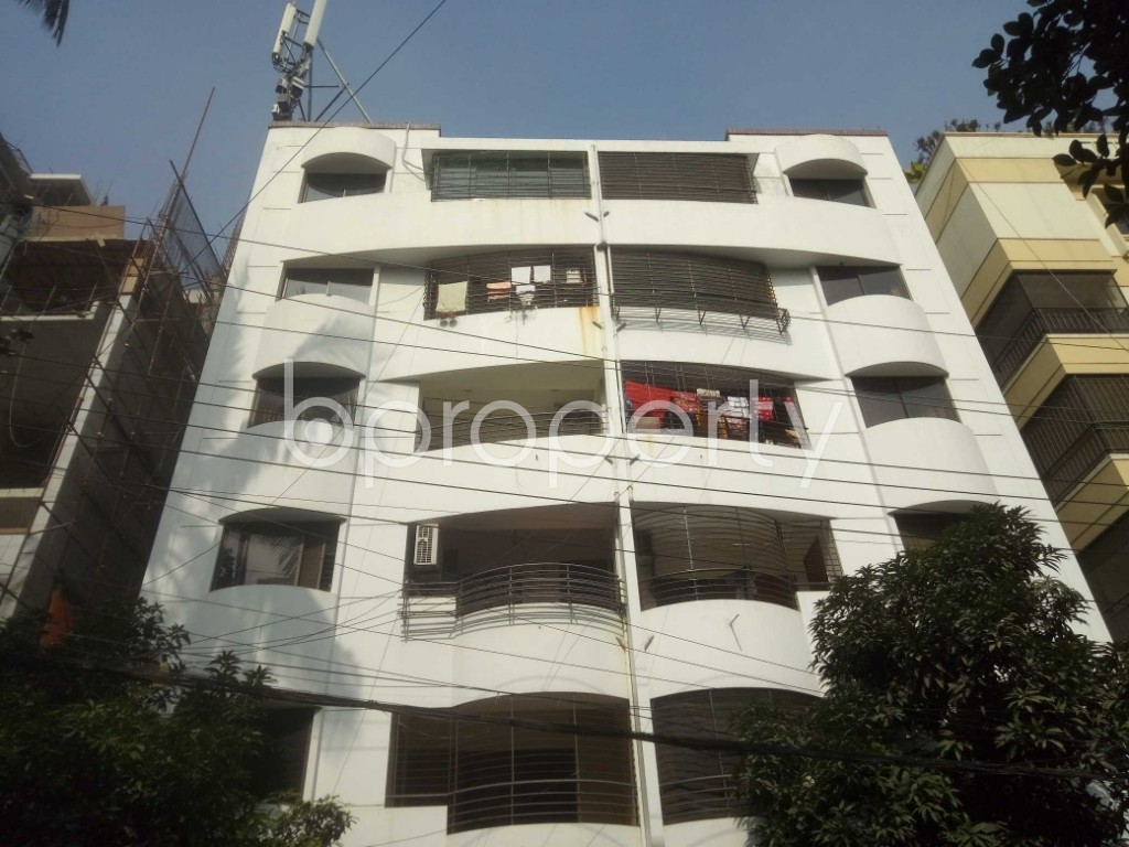 Outside view - 3 Bed Apartment to Rent in Baridhara, Dhaka - 1970803