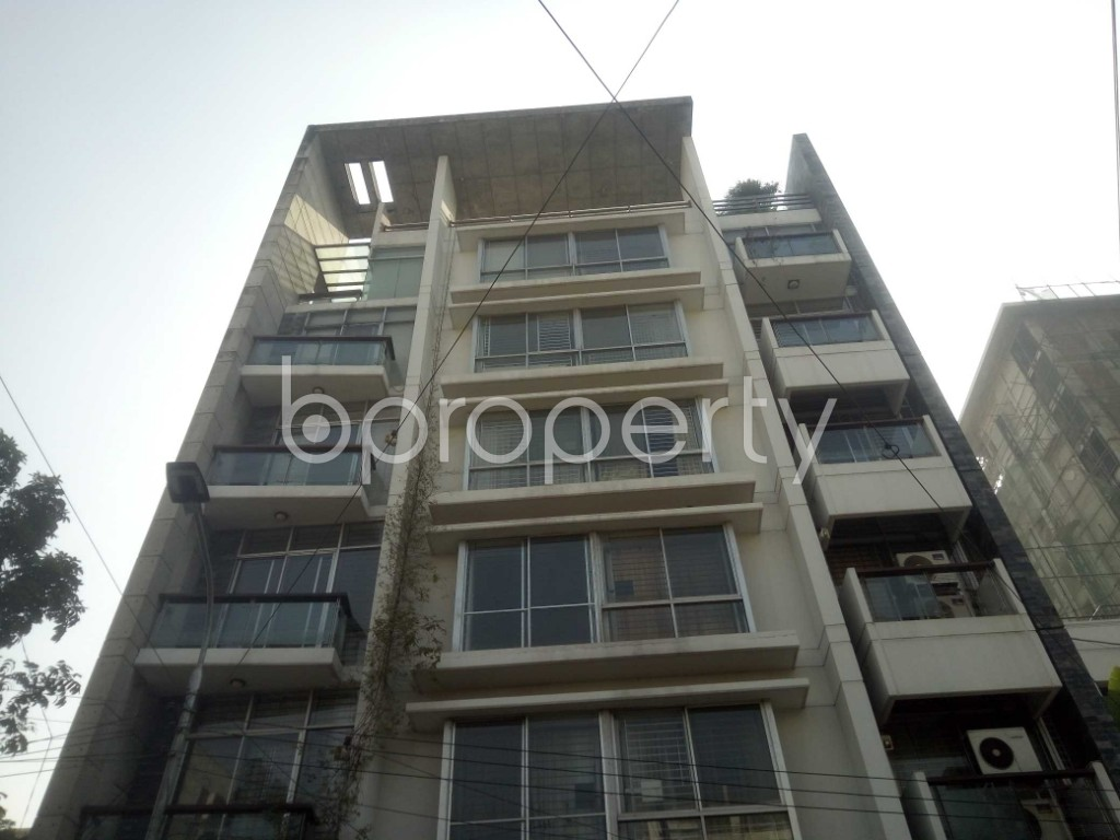 Outside view - 3 Bed Apartment to Rent in Baridhara, Dhaka - 1970826
