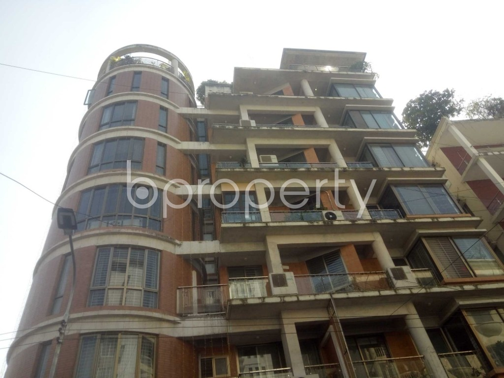 Outside view - 3 Bed Apartment to Rent in Baridhara, Dhaka - 1970908