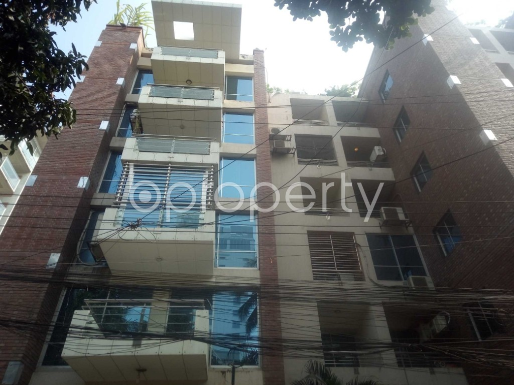 Front view - 3 Bed Apartment to Rent in Gulshan, Dhaka - 1974030