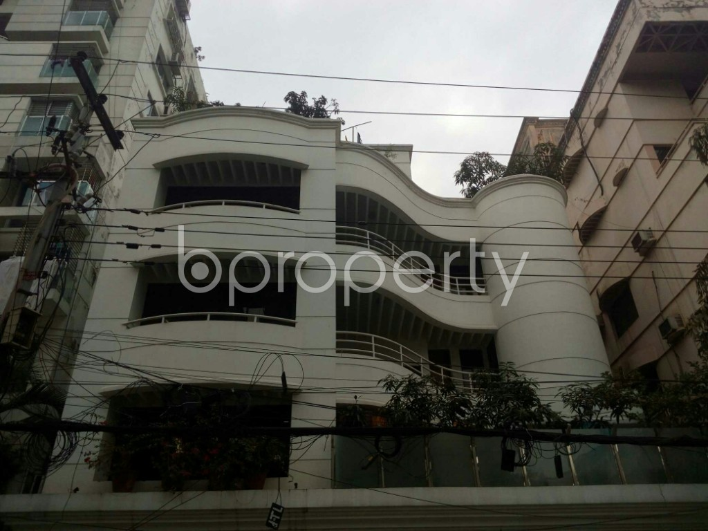 Outside view - 4 Bed Apartment to Rent in Banani, Dhaka - 1976696