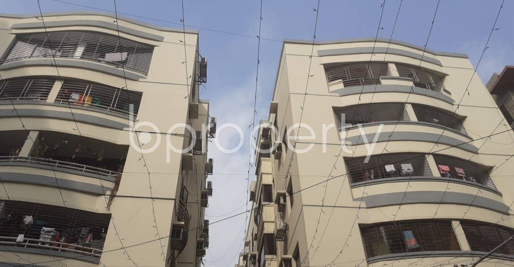 Front view - 4 Bed Apartment for Sale in Dhanmondi, Dhaka - 1976895