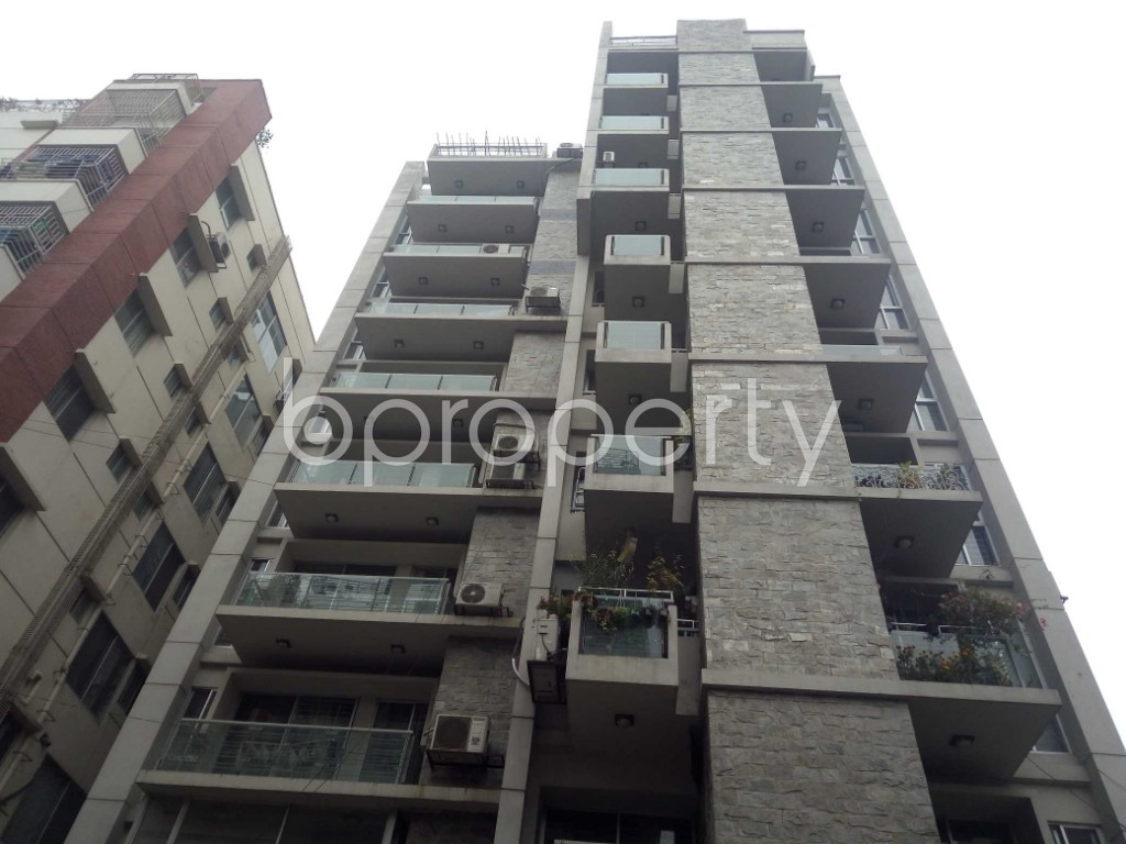 Front view - 4 Bed Apartment for Sale in Bashundhara R-A, Dhaka - 1977160