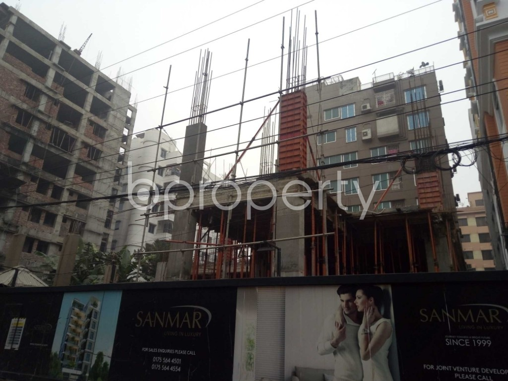 Front view - 3 Bed Apartment for Sale in Bashundhara R-A, Dhaka - 1977216