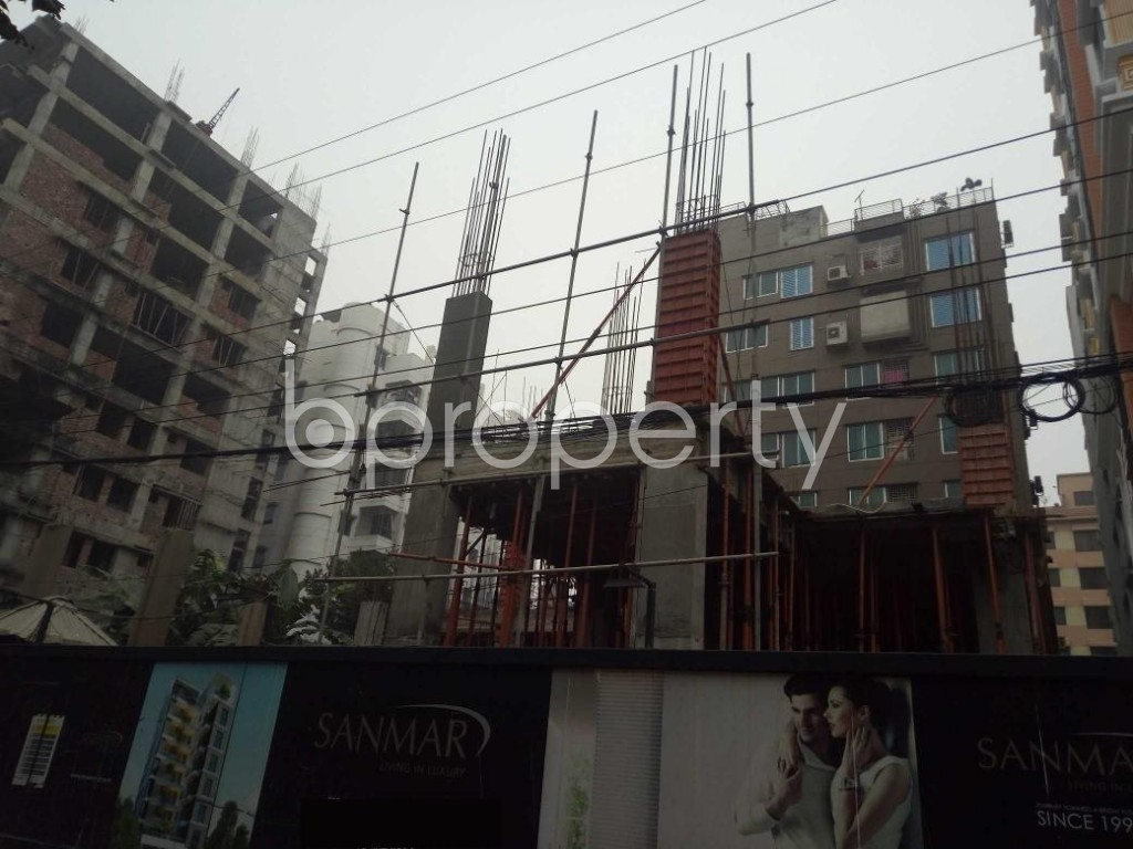 Front view - 3 Bed Apartment for Sale in Bashundhara R-A, Dhaka - 1977217