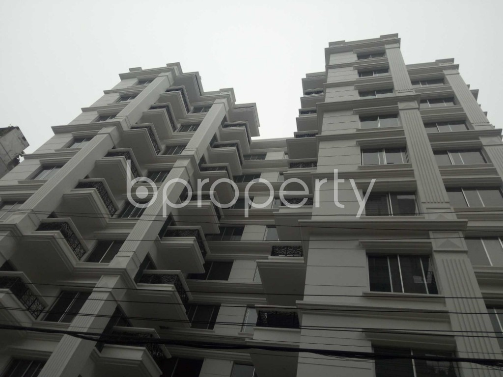 Front view - 4 Bed Apartment for Sale in Bashundhara R-A, Dhaka - 1977219