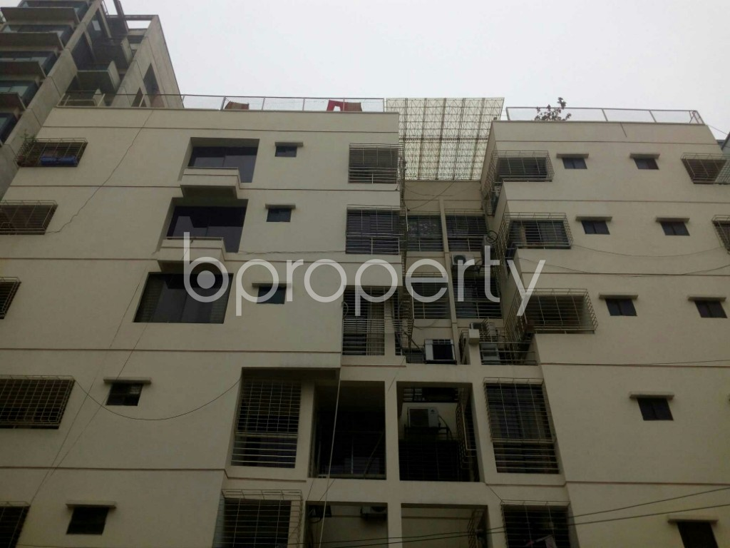 Outside view - 3 Bed Apartment to Rent in Banani, Dhaka - 1977343