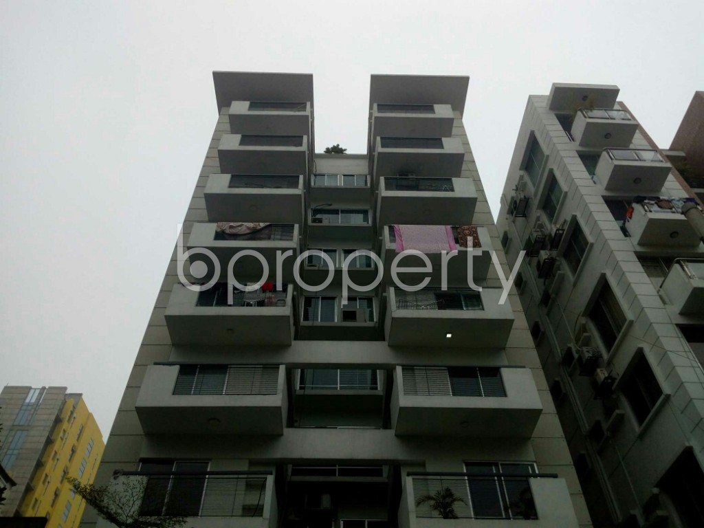 Outside view - 2 Bed Apartment to Rent in Banani, Dhaka - 1977348