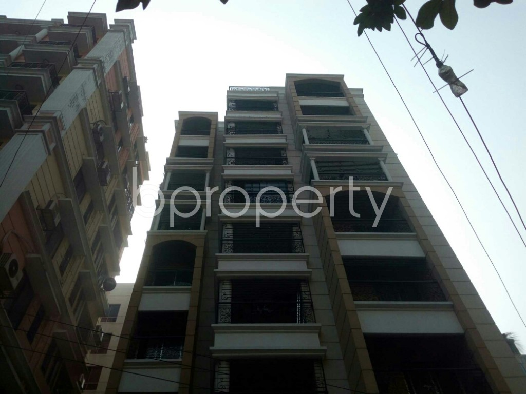 Outside view - 3 Bed Apartment to Rent in Banani, Dhaka - 1978127