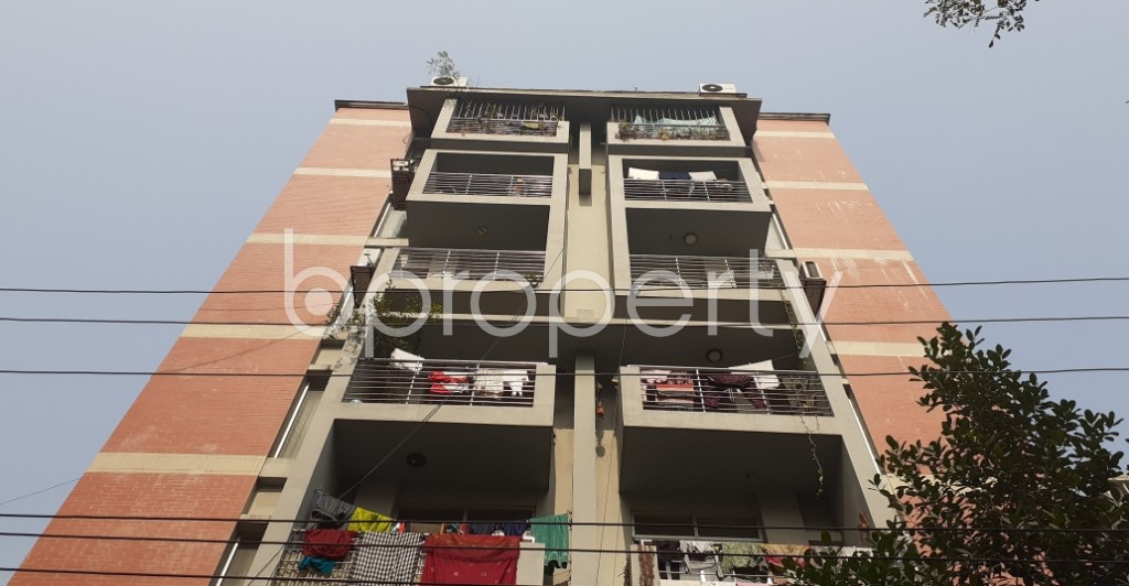 Front view - 3 Bed Apartment to Rent in Bashundhara R-A, Dhaka - 1978212