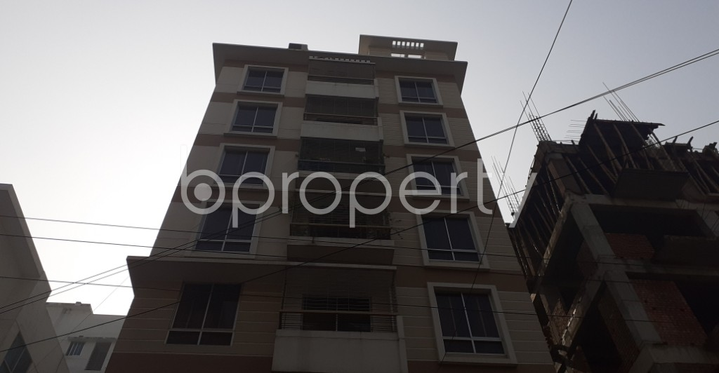 Front view - 3 Bed Apartment to Rent in Bashundhara R-A, Dhaka - 1978215