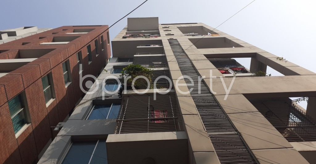 Outside view - 3 Bed Apartment to Rent in Dhanmondi, Dhaka - 1978344