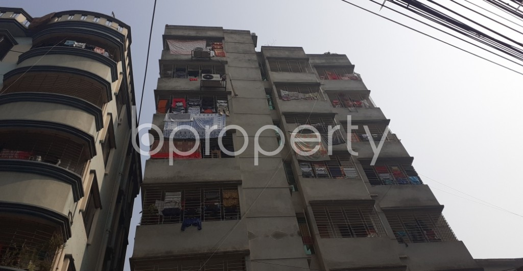 Outside view - 3 Bed Apartment to Rent in Dhanmondi, Dhaka - 1978350