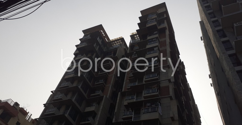Front view - 3 Bed Apartment to Rent in Dhanmondi, Dhaka - 1978378