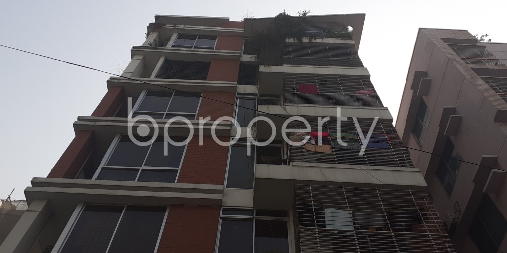 Front view - 3 Bed Apartment to Rent in Bashundhara R-A, Dhaka - 1978429