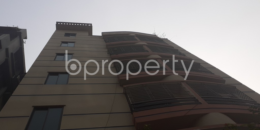 Front view - 3 Bed Apartment to Rent in Bashundhara R-A, Dhaka - 1978430