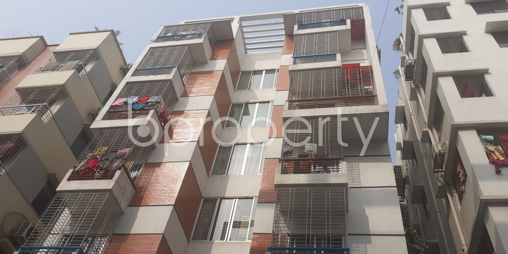 Front view - 3 Bed Apartment to Rent in Bashundhara R-A, Dhaka - 1978431