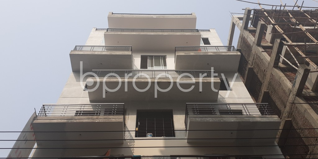 Front view - 3 Bed Apartment to Rent in Bashundhara R-A, Dhaka - 1978434