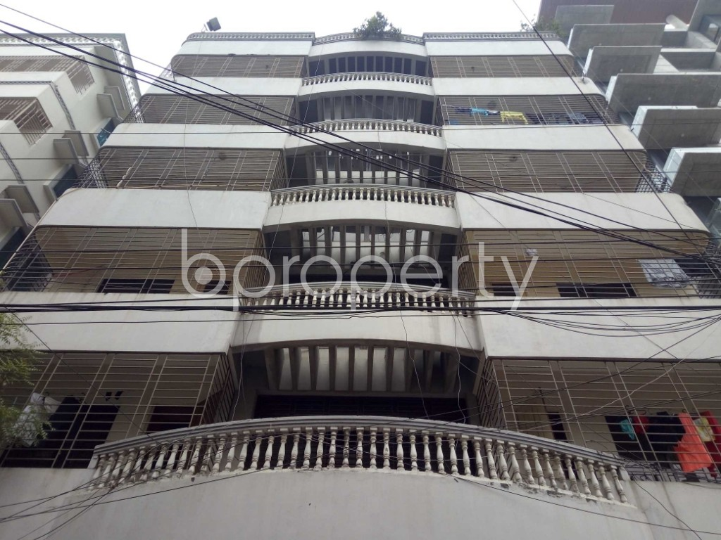 Front view - 2 Bed Apartment to Rent in Bashundhara R-A, Dhaka - 1978561