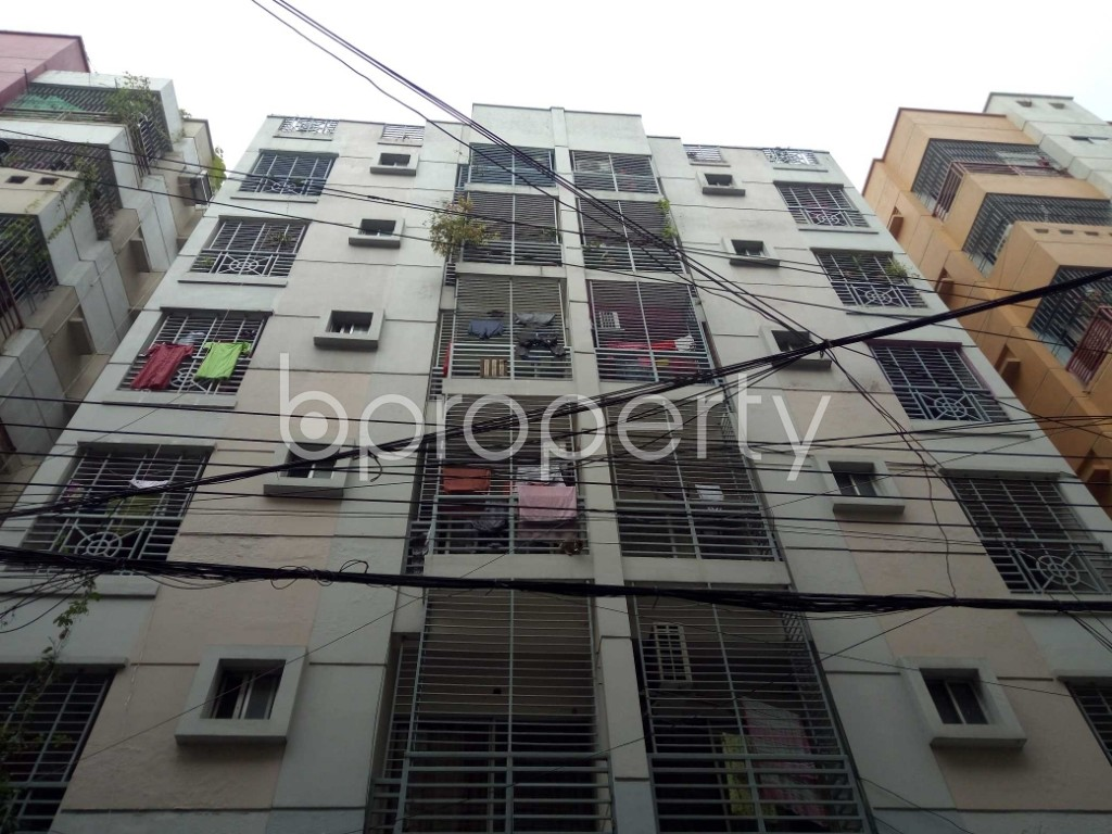 Front view - 3 Bed Apartment to Rent in Bashundhara R-A, Dhaka - 1978594