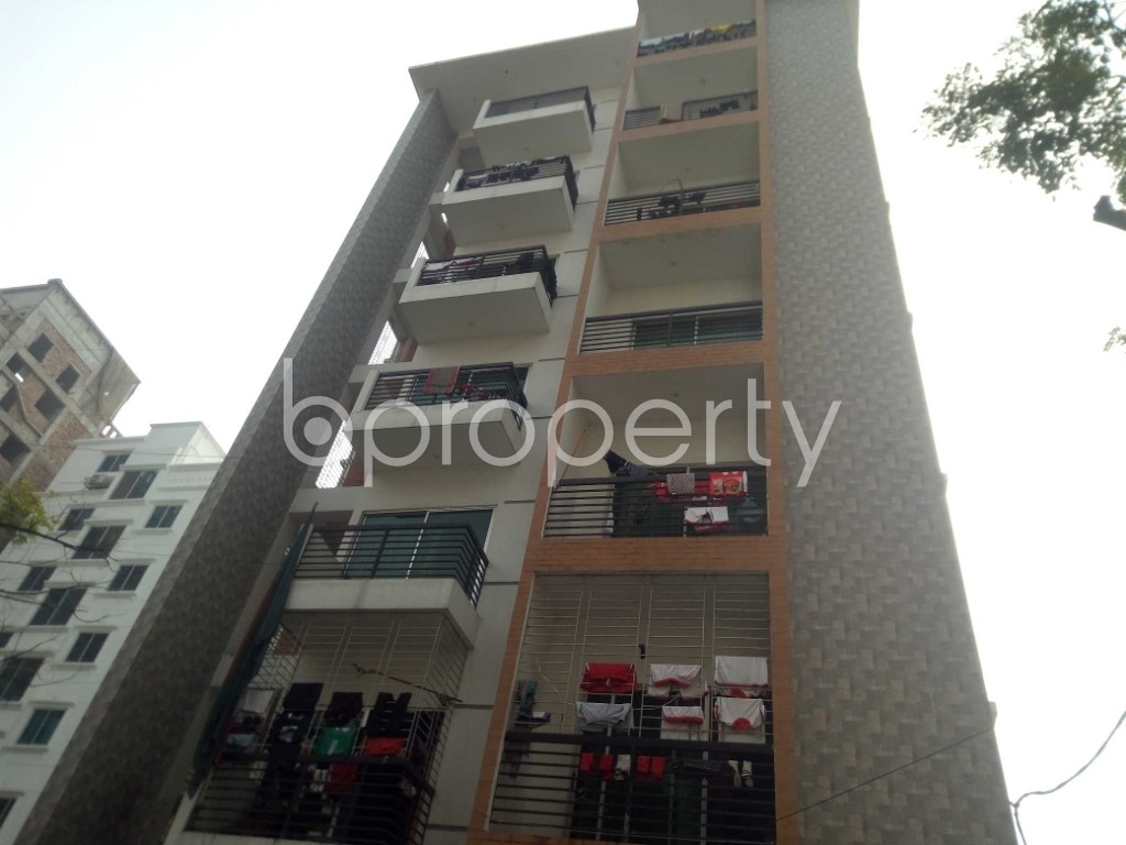Front view - 3 Bed Apartment to Rent in Bashundhara R-A, Dhaka - 1978668