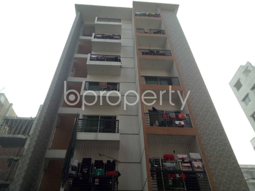 Front view - 3 Bed Apartment to Rent in Bashundhara R-A, Dhaka - 1978670