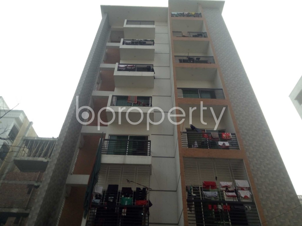 Front view - 3 Bed Apartment to Rent in Bashundhara R-A, Dhaka - 1978671