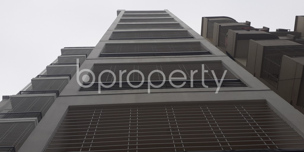 Front view - 3 Bed Apartment to Rent in Bashundhara R-A, Dhaka - 1978716