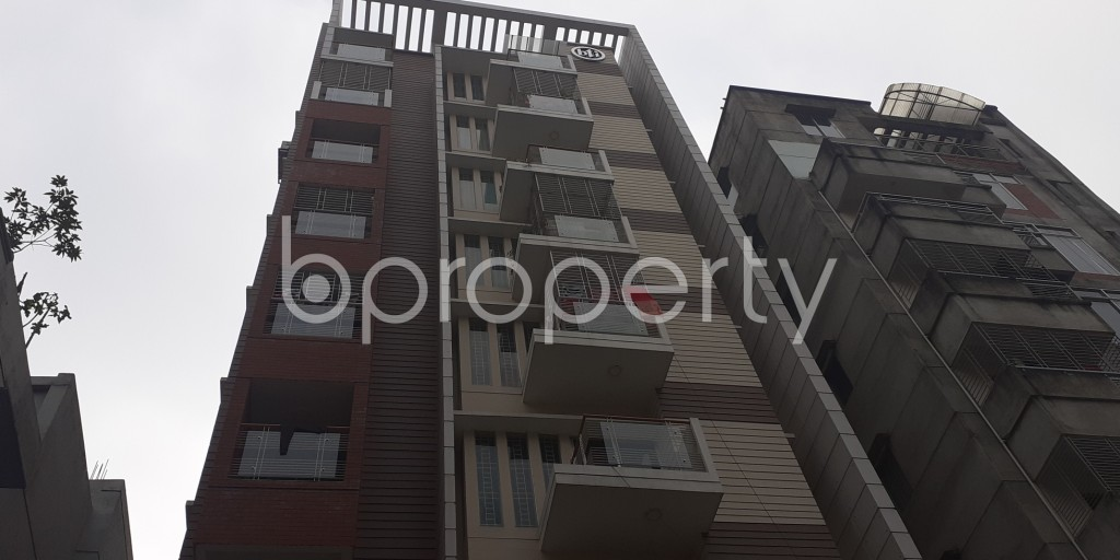 Front view - 3 Bed Apartment to Rent in Bashundhara R-A, Dhaka - 1978717