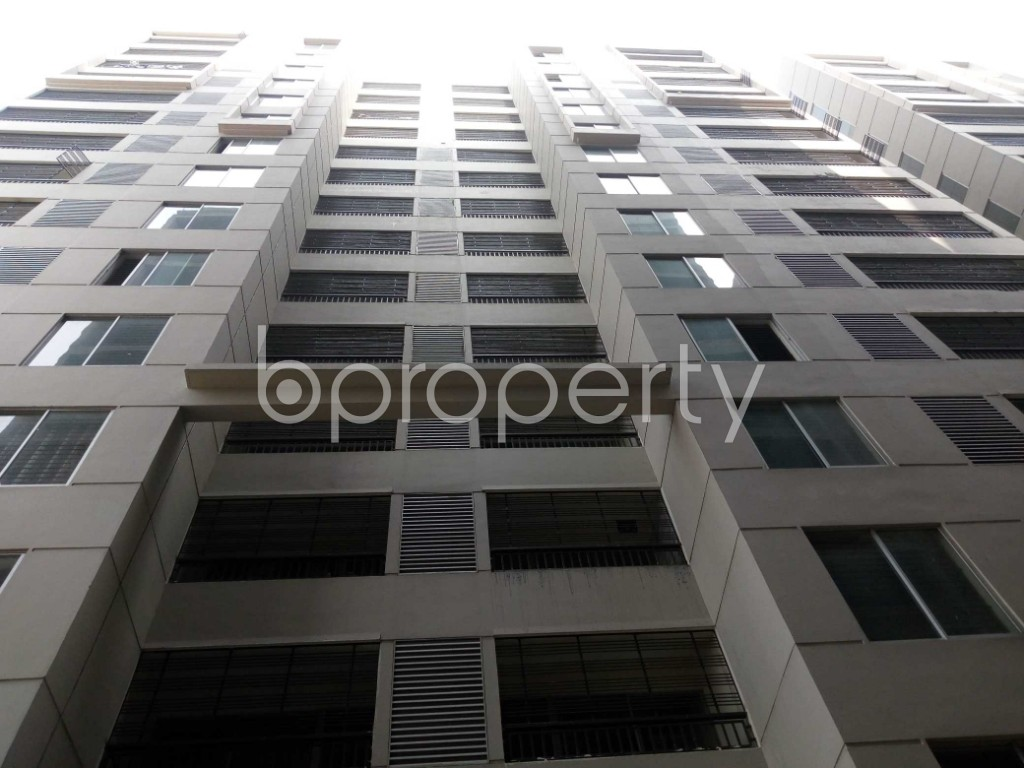 Front view - 3 Bed Apartment to Rent in Mirpur, Dhaka - 1979020