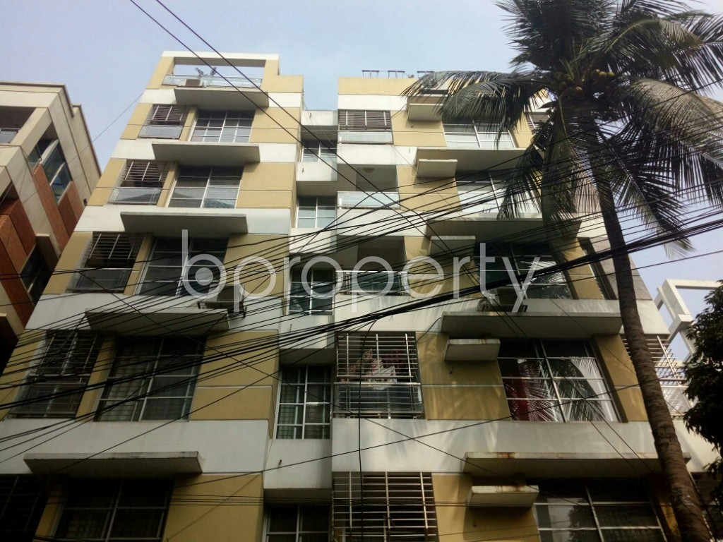 Outside view - 3 Bed Apartment to Rent in Banani, Dhaka - 1979021