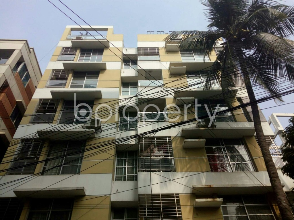 Outside view - 3 Bed Apartment to Rent in Banani, Dhaka - 1979022