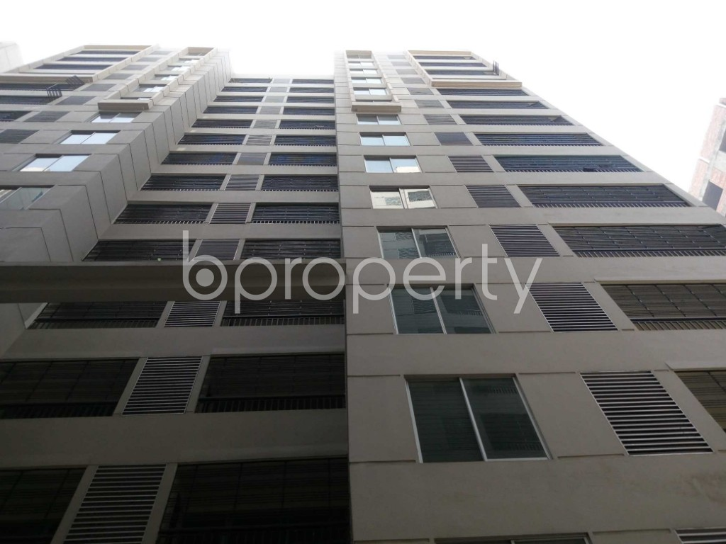 Front view - 3 Bed Apartment to Rent in Mirpur, Dhaka - 1979038