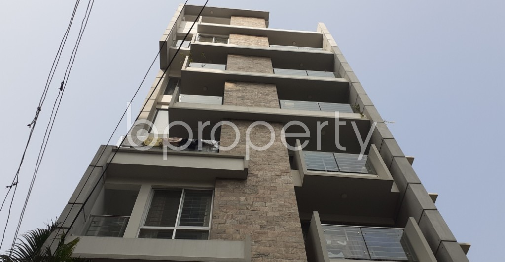 Front view - 3 Bed Apartment to Rent in Bashundhara R-A, Dhaka - 1979134