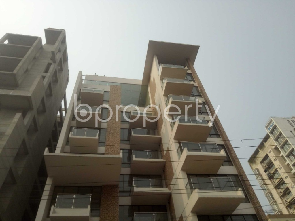 Outside view - 4 Bed Apartment to Rent in Baridhara, Dhaka - 1983894