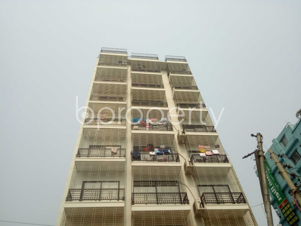 Outside view - 3 Bed Apartment to Rent in Baridhara, Dhaka - 1983953