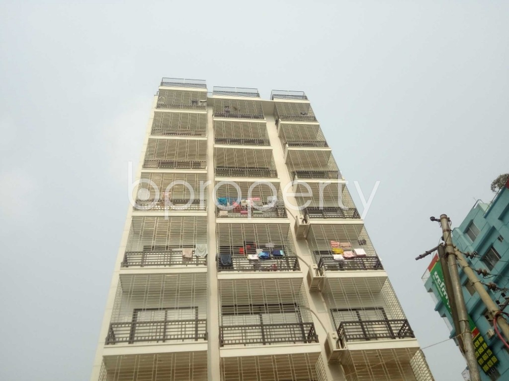 Outside view - 3 Bed Apartment to Rent in Baridhara, Dhaka - 1983954