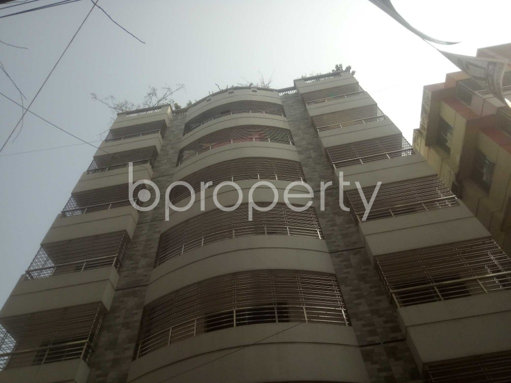 Outside view - 3 Bed Apartment to Rent in Baridhara, Dhaka - 1984703